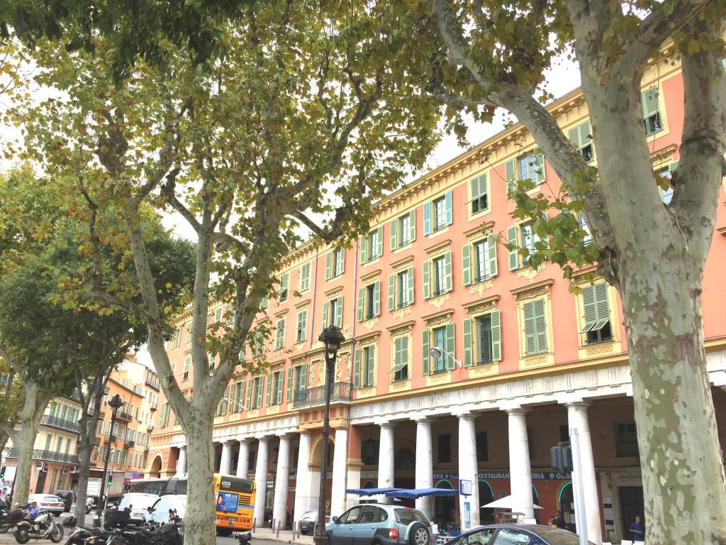 Place de l'Île de Beauté in Nizza